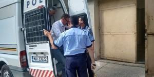 Constantin Hogea va efectua in continuare arestul la domiciliu